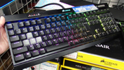 K70 RGB MK.2 LOW PROFILE RAPIDFIRE メインビジュアル①